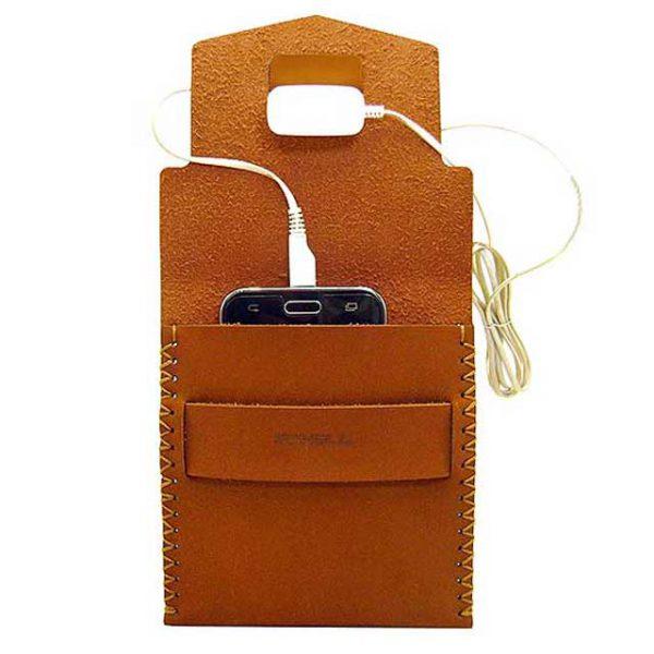 موبایل1 600x600 - کیف شارژ گوشی دستدوز B2