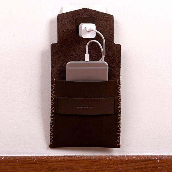 موبایل7 600x600 - کیف شارژ گوشی دستدوز B1